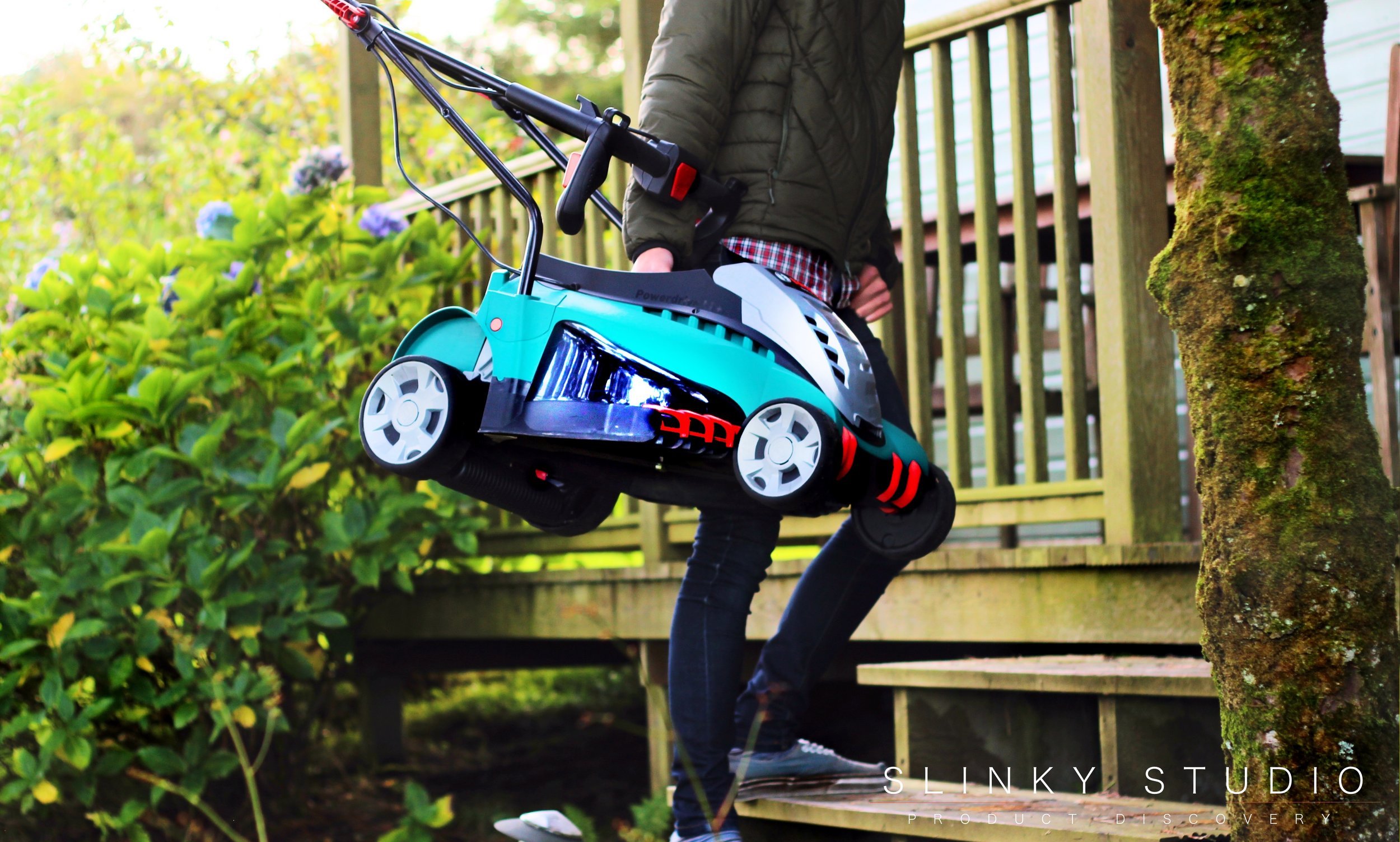 Bosch Rotak 43 LI Ergoflex Cordless Lawnmower Carried Upstairs.jpg