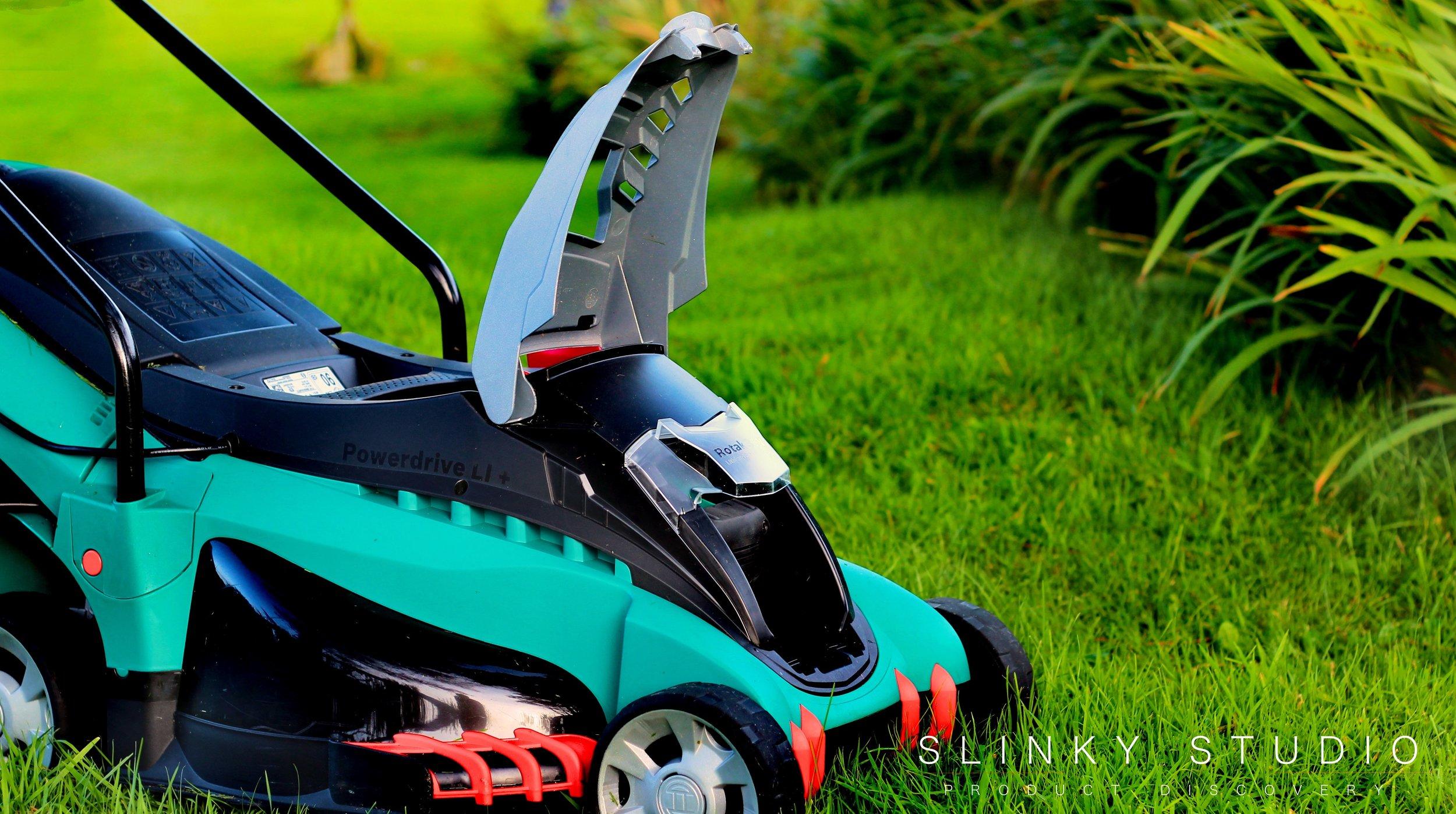 Bosch Rotak 43 LI Ergoflex Cordless Lawnmower Battery Front Bay Open.jpg