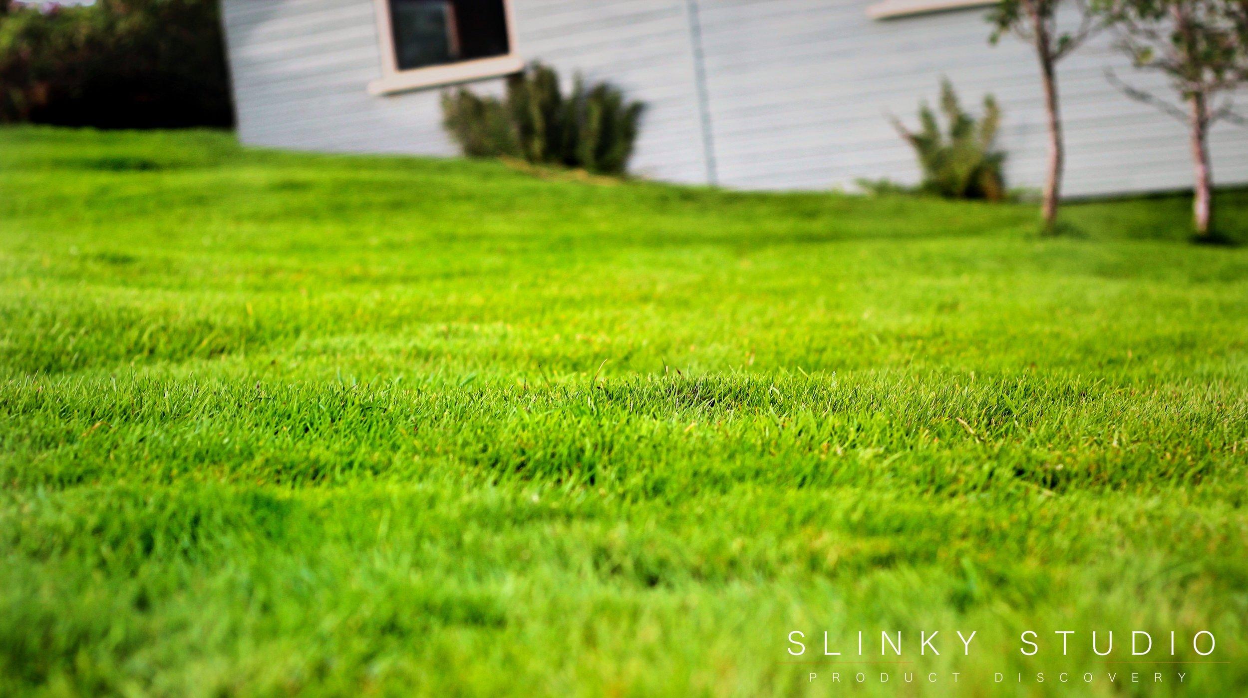 Bosch Rotak 43 LI Ergoflex Cordless Lawnmower Slopey Lawn Grass Cut.jpg
