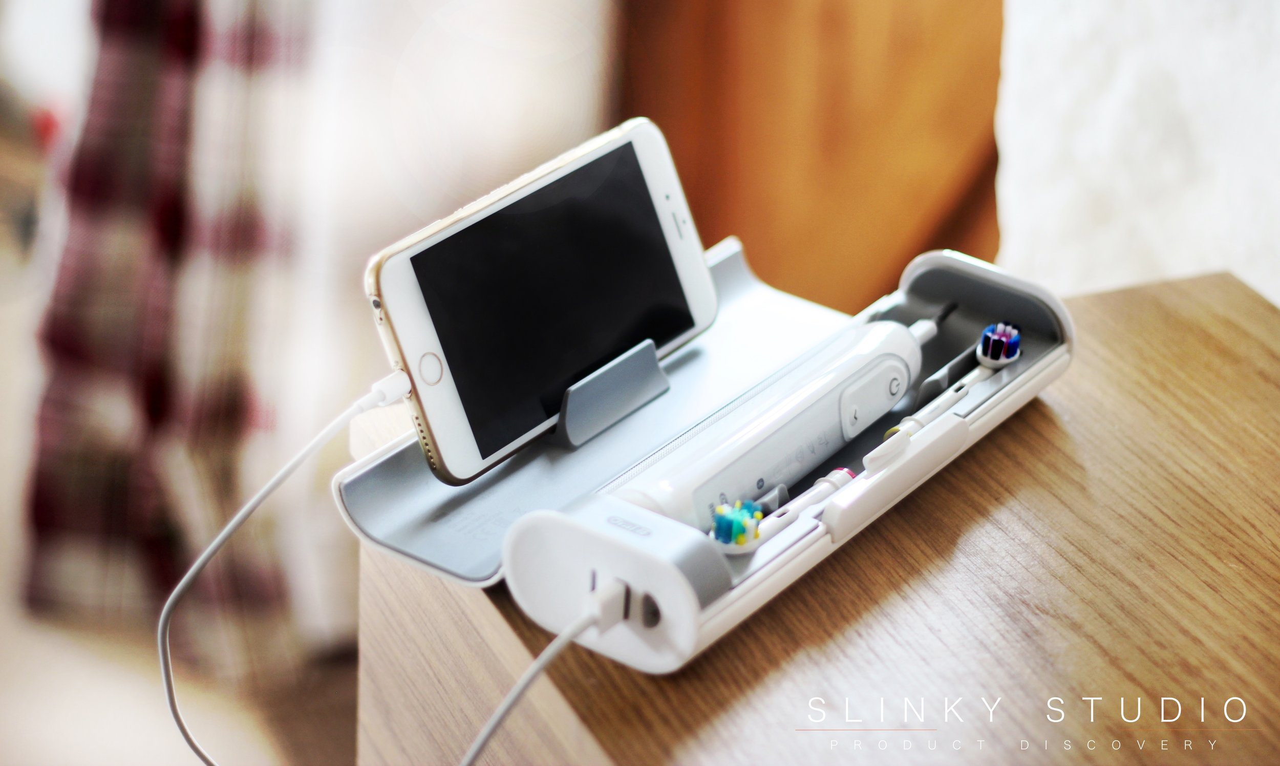 Oral-B GENIUS 9000 Toothbrush Smart Case Charging iPhone 7 Plus.jpg