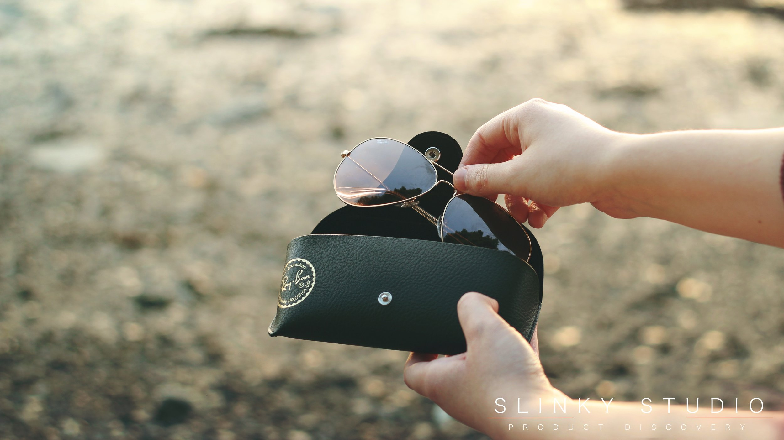 Ray Ban Aviator Sunglasses RB3025 in Black Leather Case.jpg