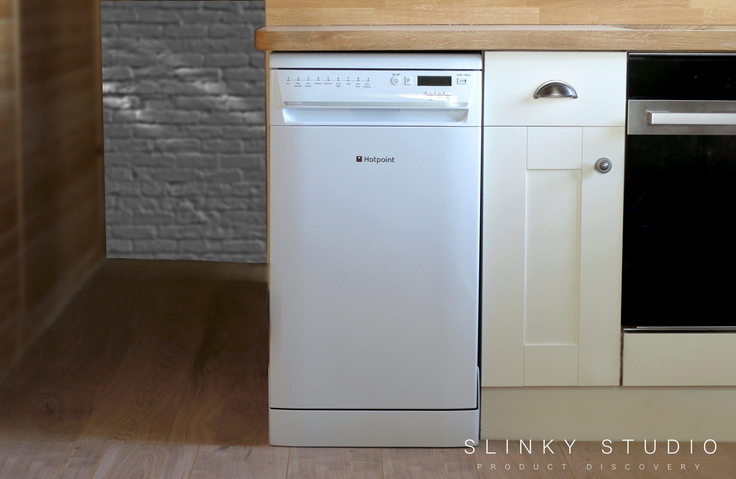 Hotpoint Ultima Slimline Dishwasher White Full View.jpg