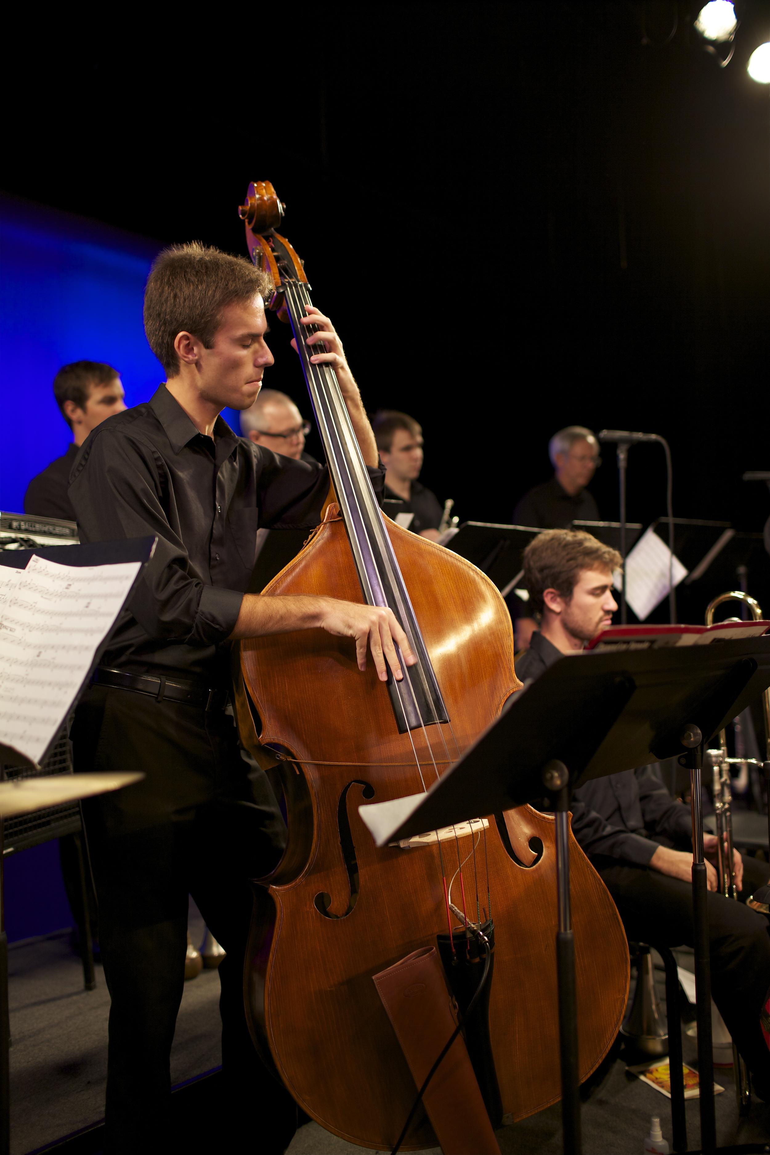Brian Thorsen, bass