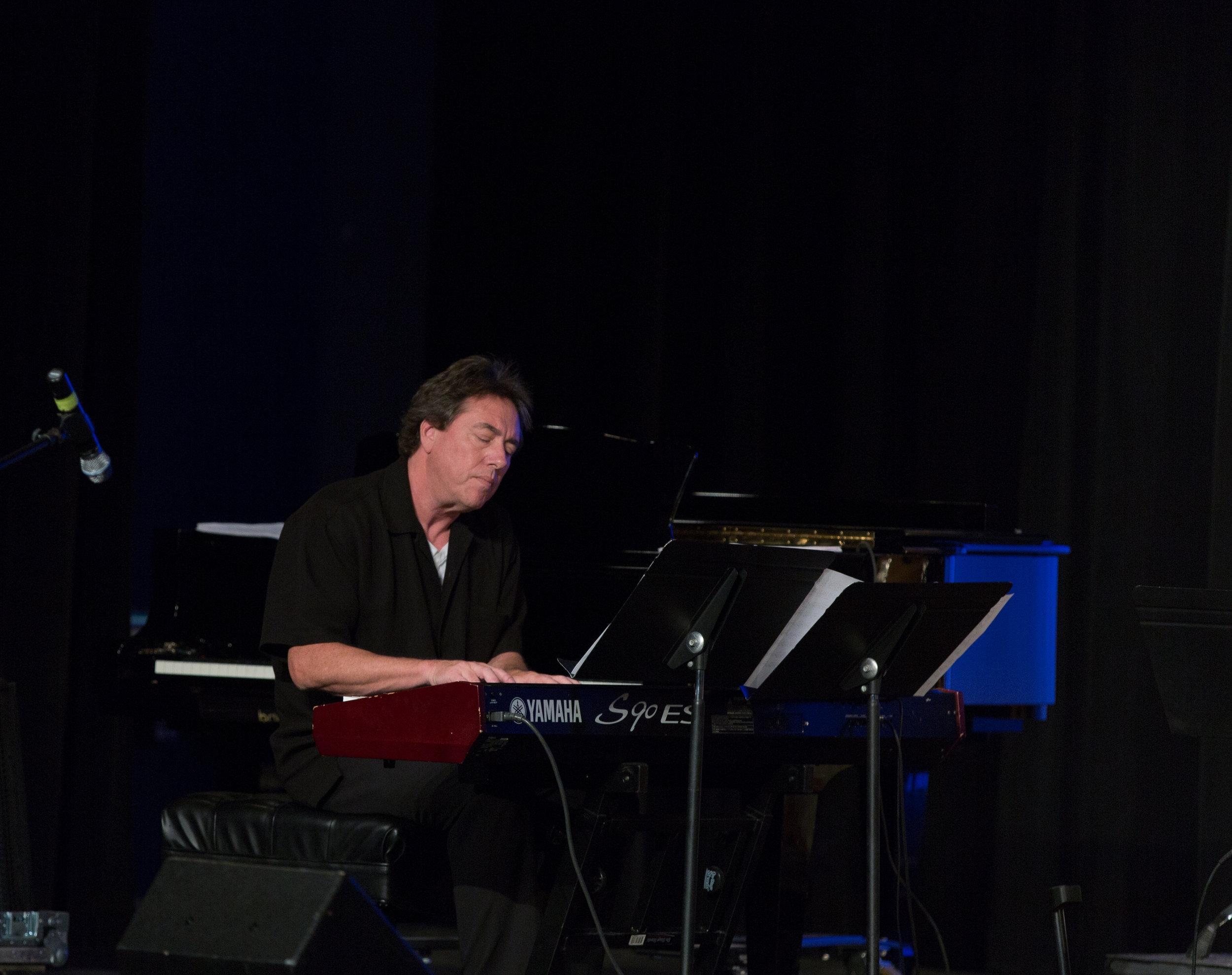Mark Nilan, piano