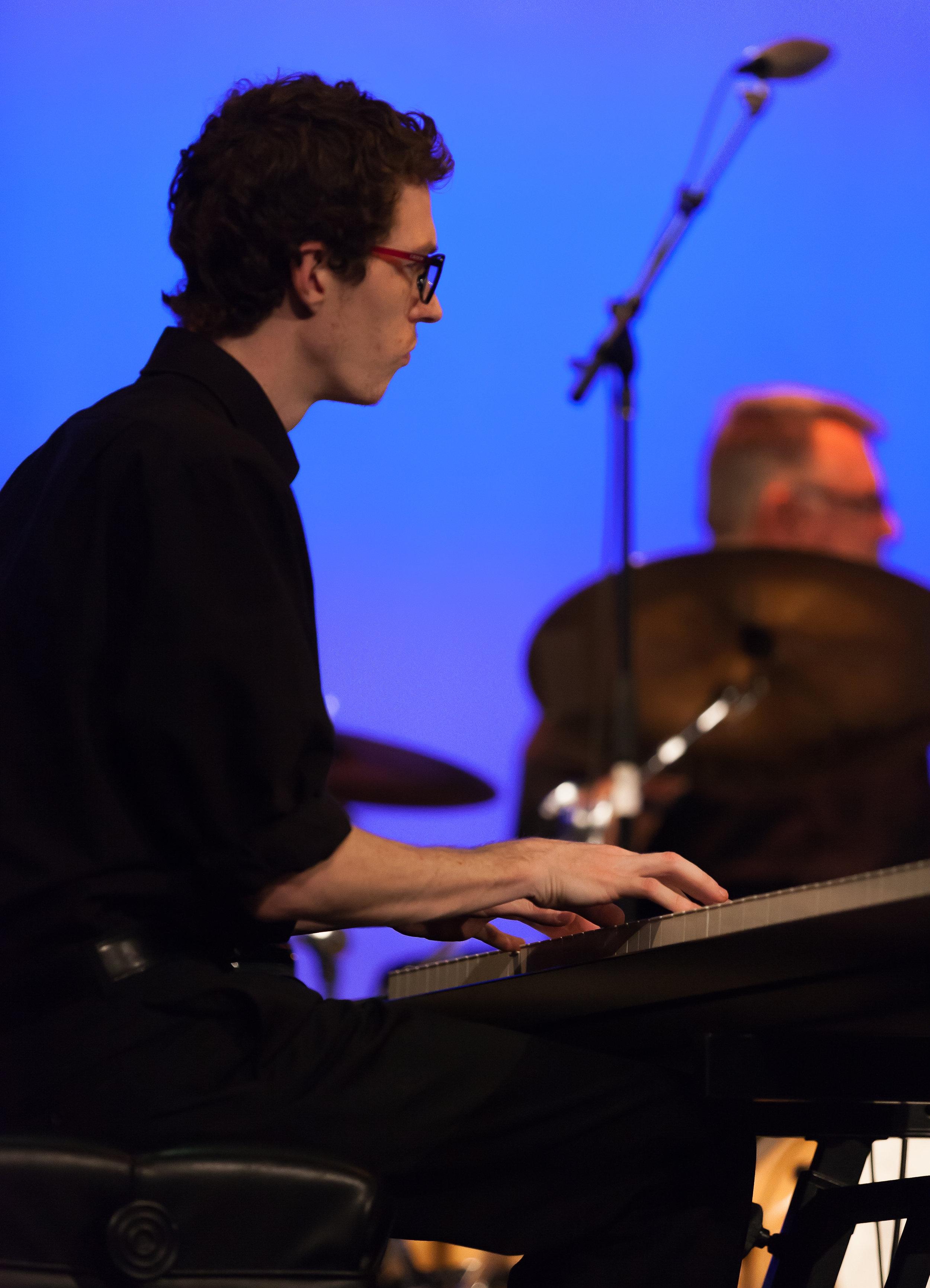 Hank Mehren, piano