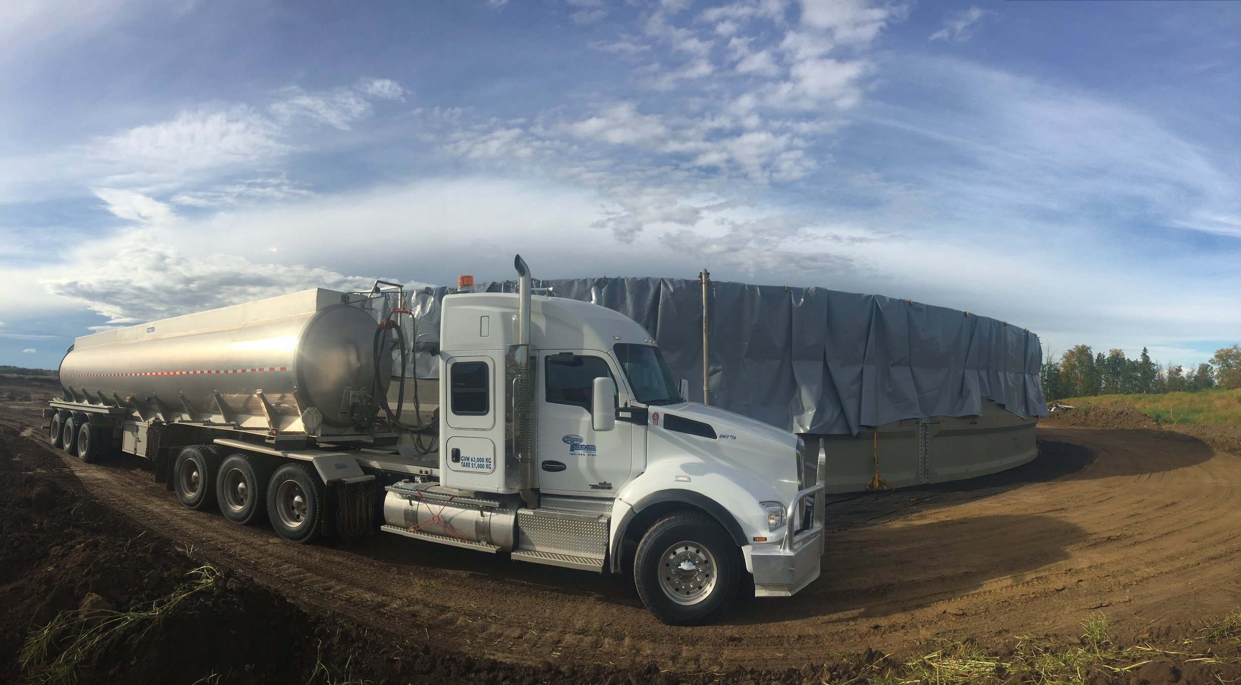 "2014 Kenworth T880 Tri Drive Truck with a Tri Axle Straight Trailer. Uses a 4"" T&E Pump, and is capable of hauling 35m3 of water, and pumping at over 1.5m3 per minute."