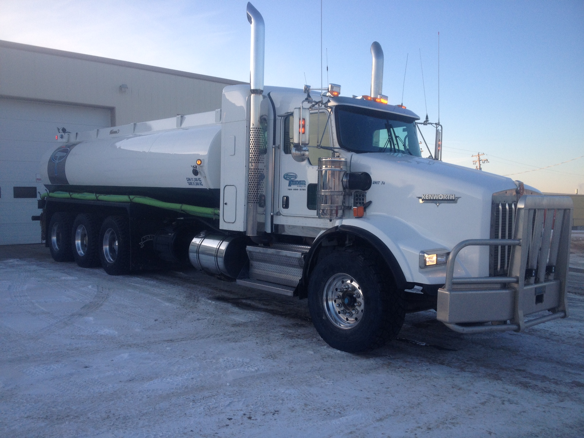 "2009 Kenworth T800 Tri Drive Tank Truck with a Tri Axle Pup Trailer. Uses a 4"" T&E Pump, and is capable of hauling 30m3 of water, and pumping at over 1.5m3 per minute."