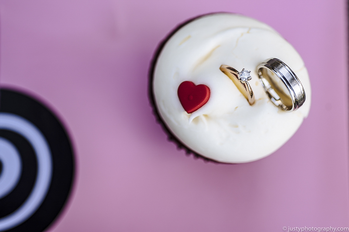 Historic Round Barn Wedding Photos - Georgetown Cupcake engagement