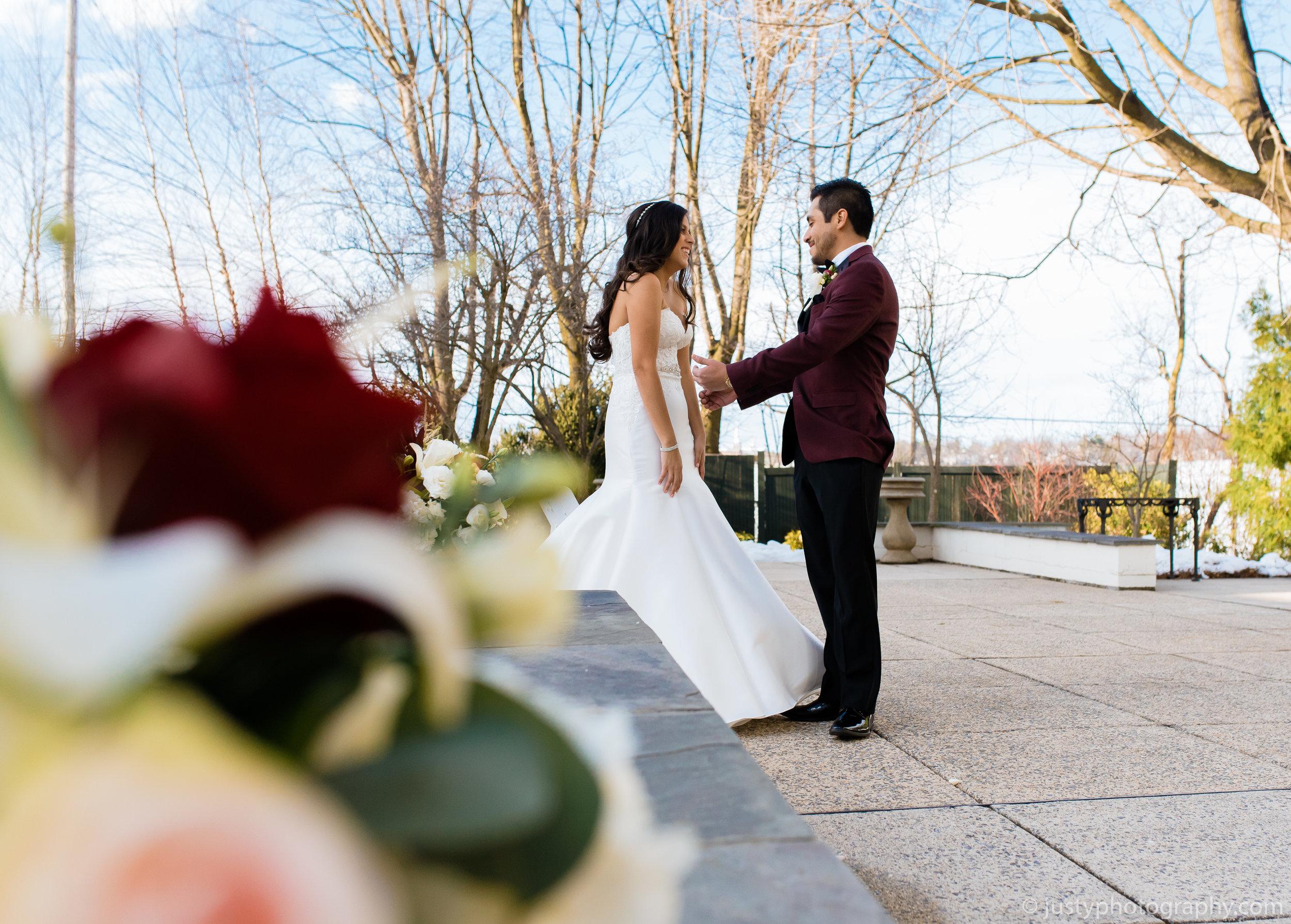Ceresville Mansion Wedding Photos - First Look21.jpg