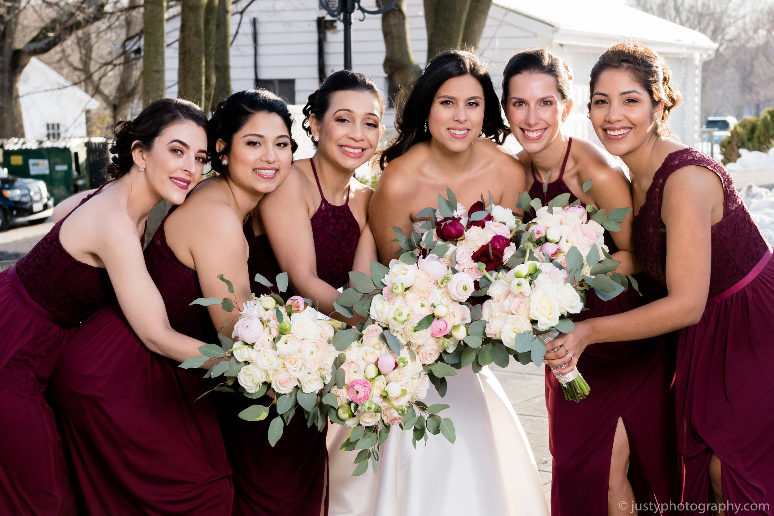 Ceresville Mansion Wedding Photos - Bride and bridesmaids fun pose 25.jpg