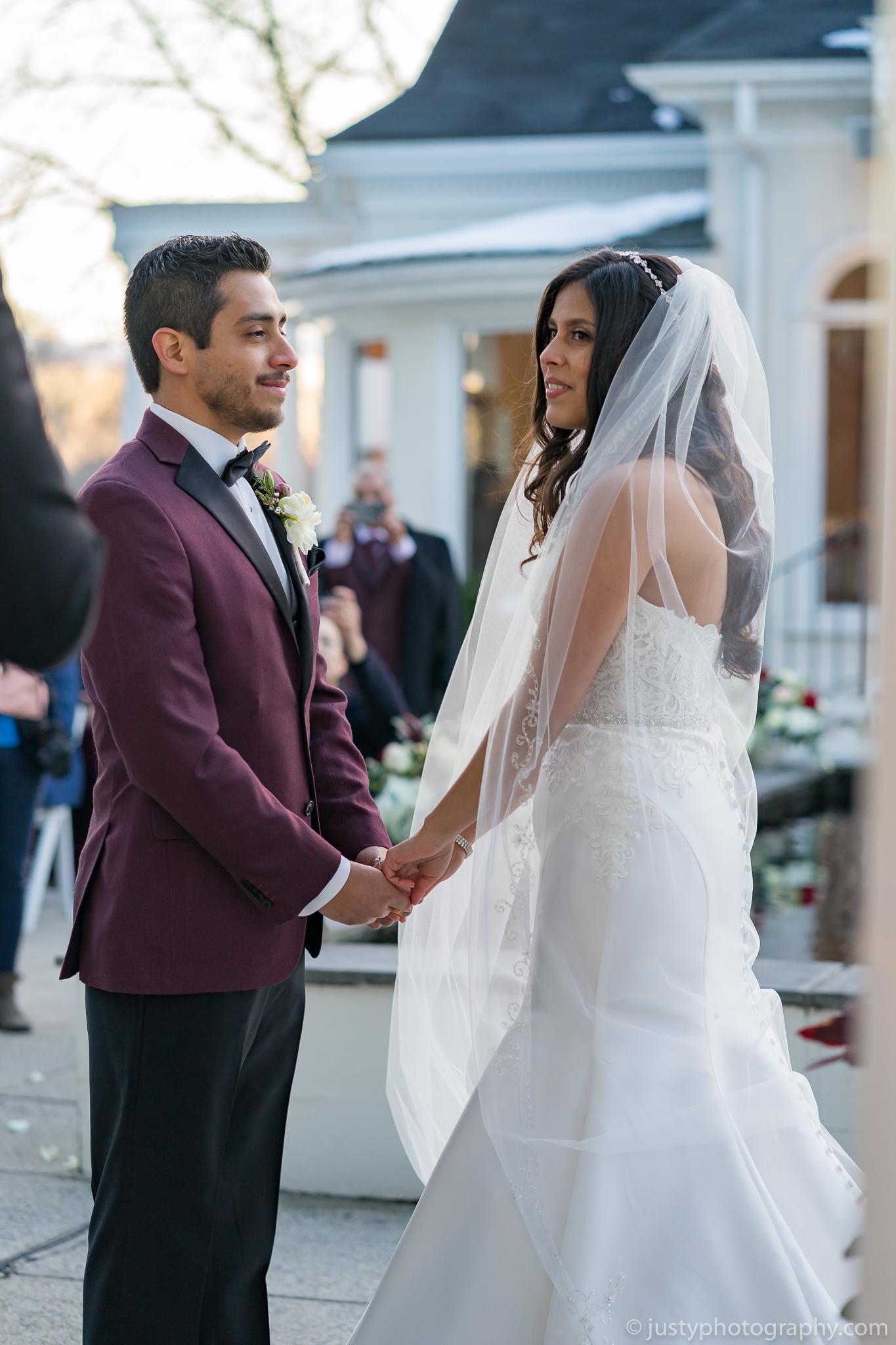 Ceresville Mansion Wedding Photos-Ceremony Bride and Groom.jpg
