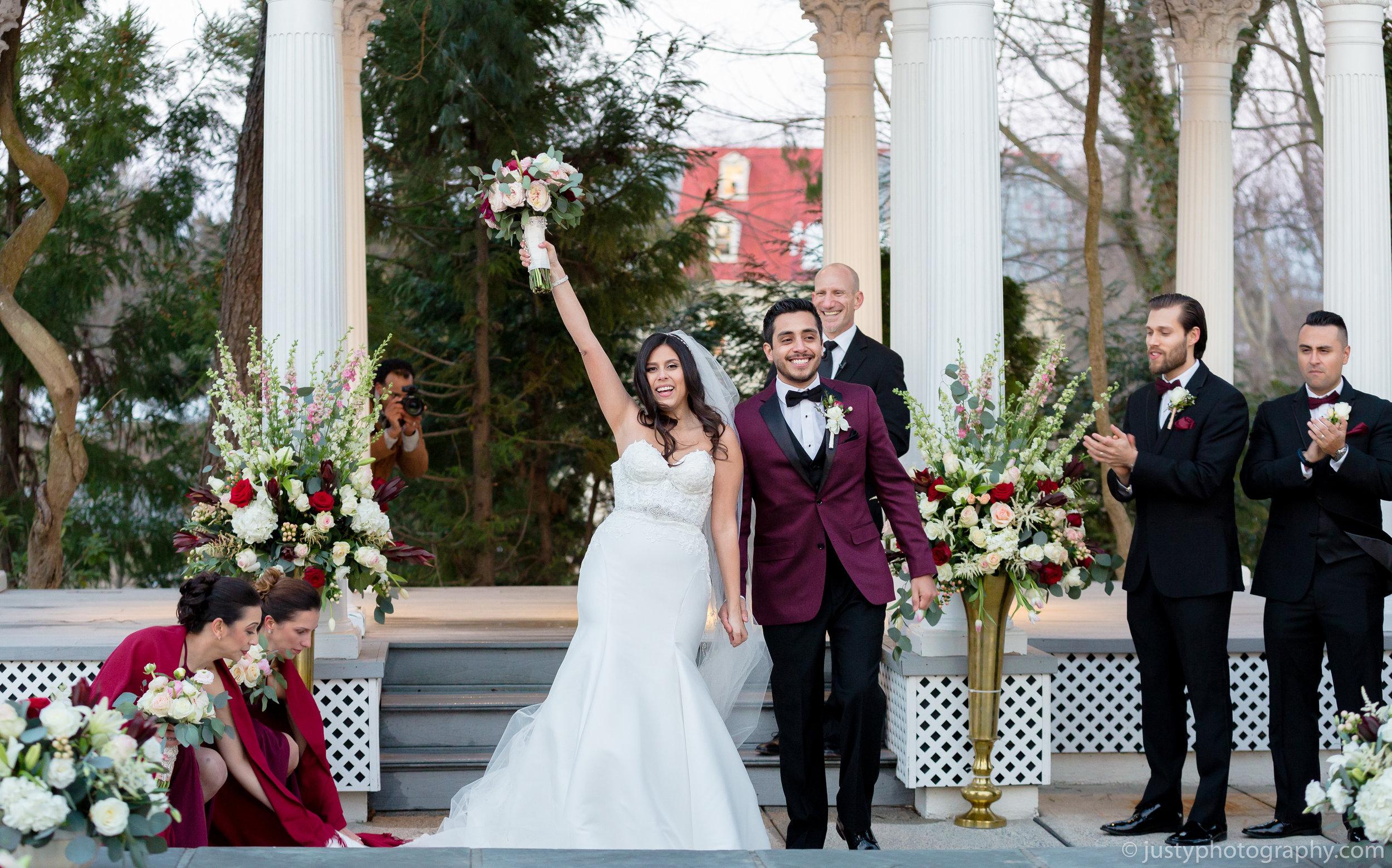 Ceresville Mansion Wedding Photos-Wedding Ceremony Exit.jpg