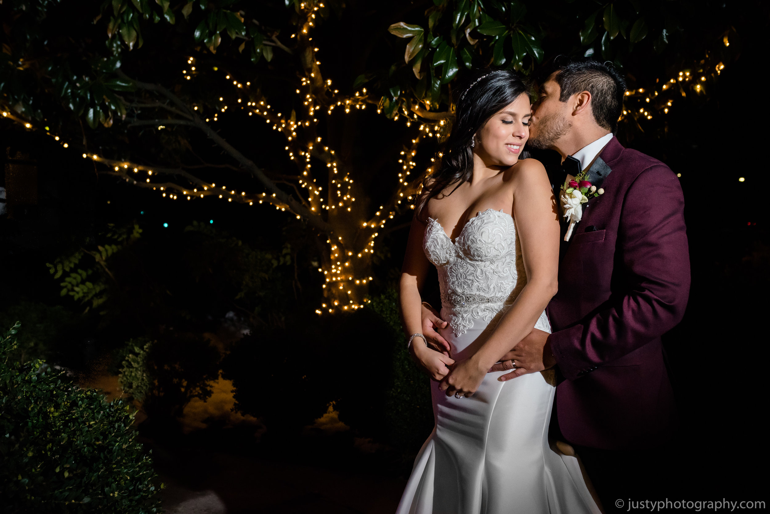 Ceresville Mansion Wedding Photos- Bride and Groom Night Photo.jpg