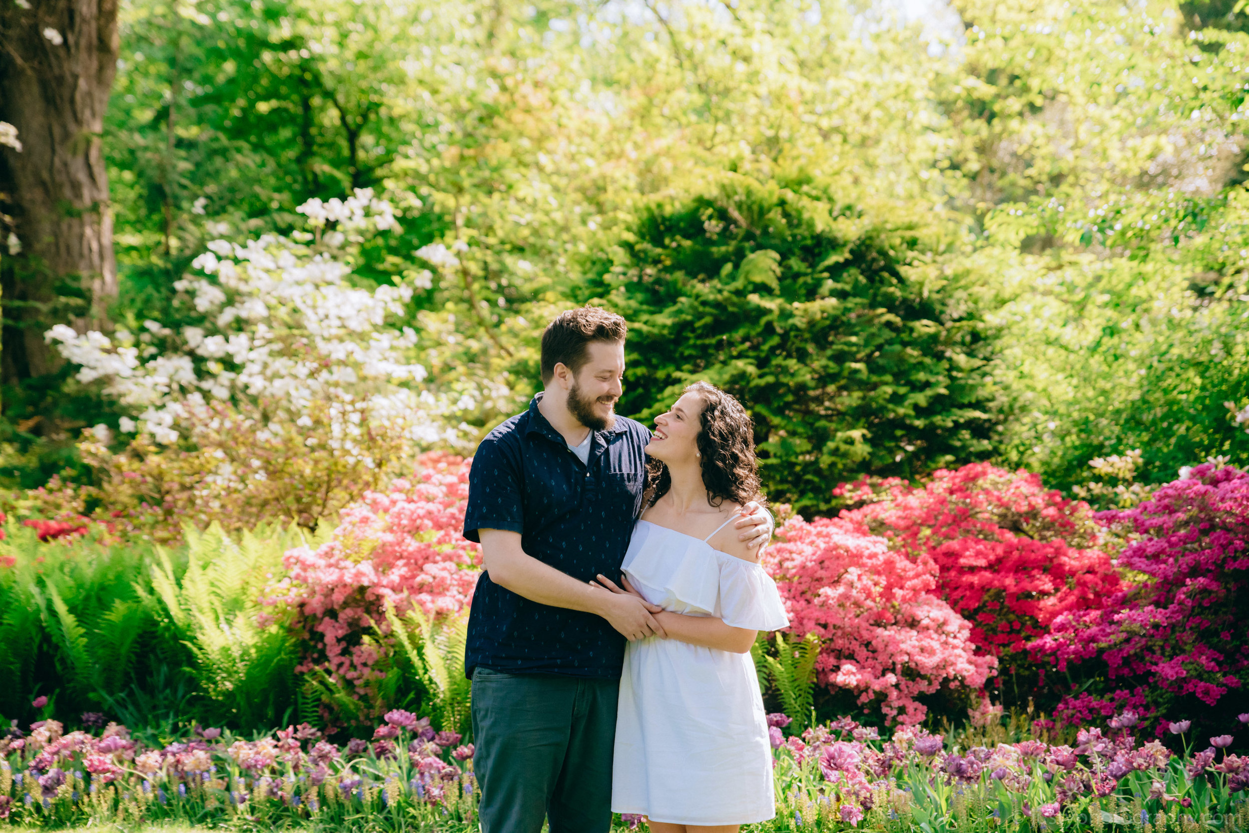 Hillwood Estate Engagement Photos-5788.jpg