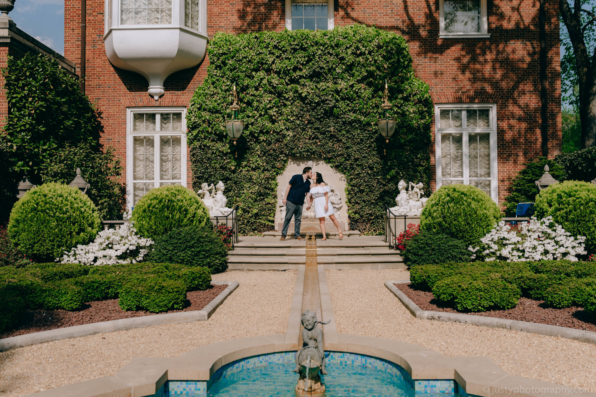 Hillwood Estate Engagement Photos-5925.jpg