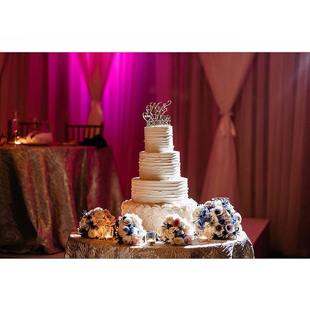 Did you think that a wedding is all about newlyweds? Come on, it's about delicious food and cake! 😆 • • • #dcphotographer #best #justengaged #love #instagood #model #cute #art #photooftheday #justengaged #iphonesia #tweegram #picoftheday #igers #girl #virginiawedding #weddings #lightpainting #weddingphotography #nikon #dcweddingphotographer #weddingcake #bestoftheday #happy #picstitch #marylandphotographer #virginia #sky #fineart #fashion