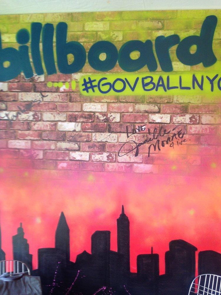 Billboard-08.jpeg