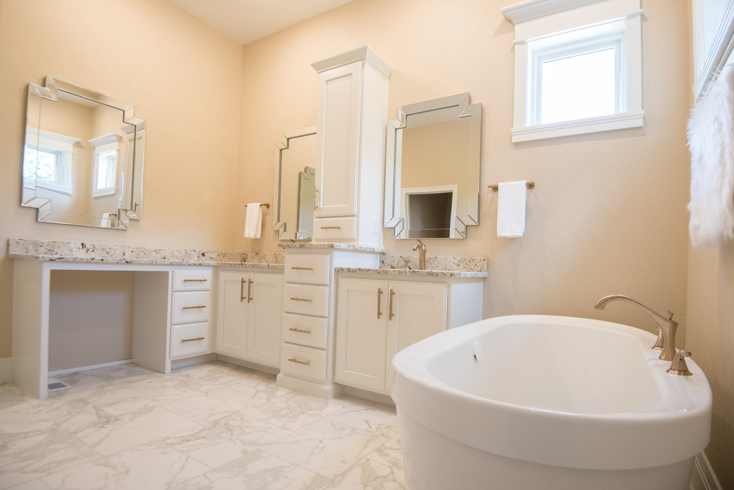 Parade of Homes Brown County-36.jpg