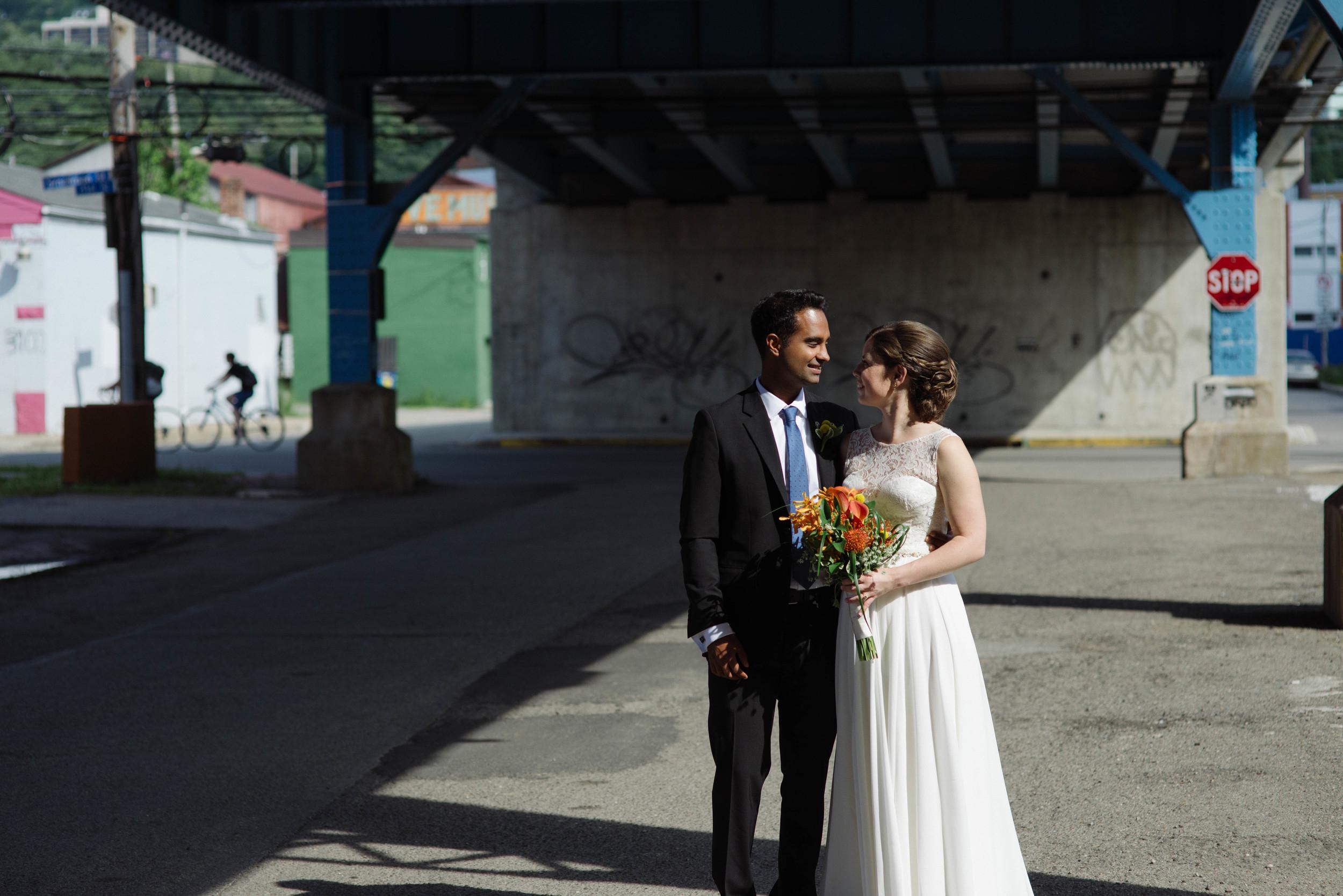 Pittsburgh wedding portraits strip district.jpg