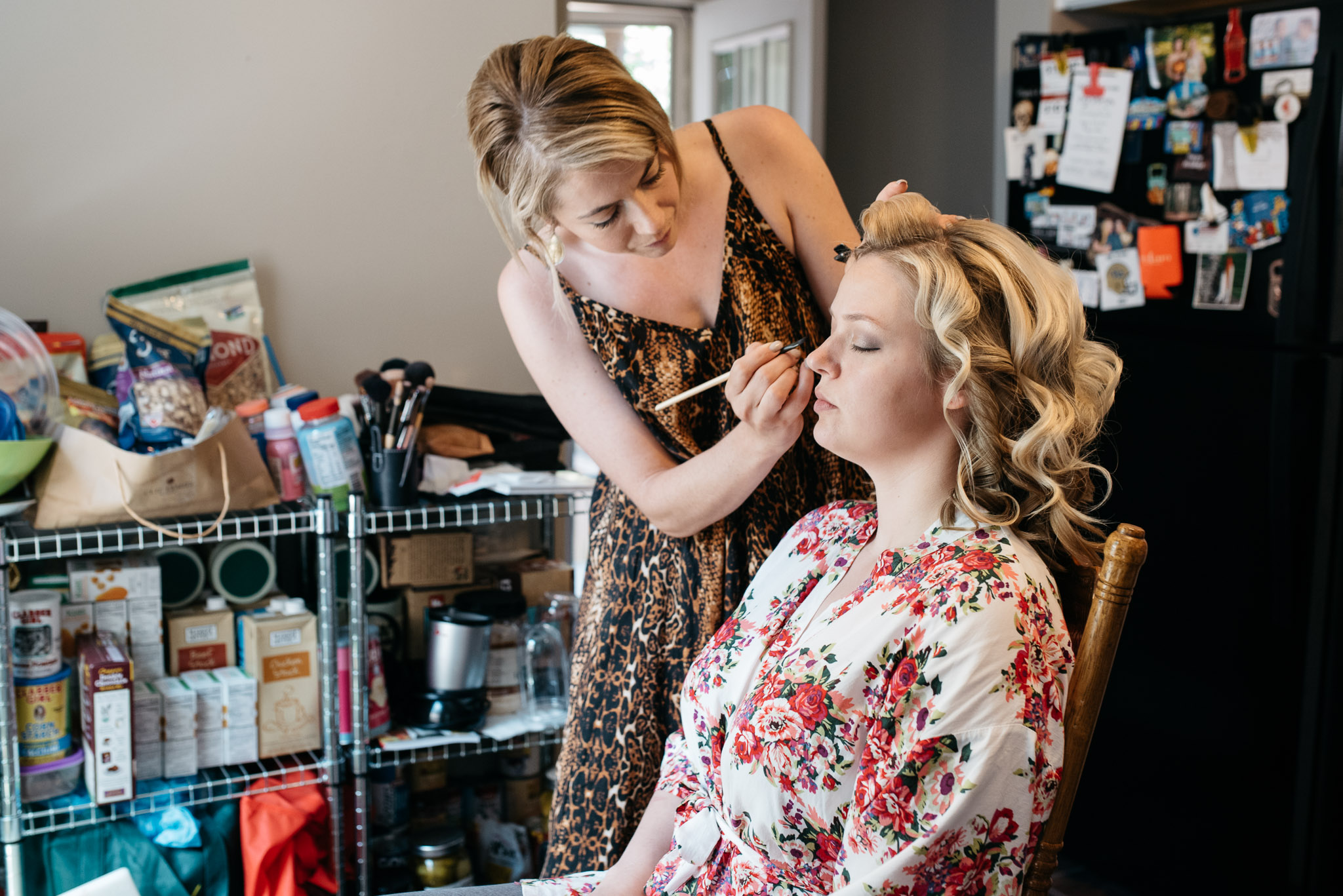 <alt> pittsburgh wedding photographer, mariah fisher photography, bride getting ready <:alt>.jpg