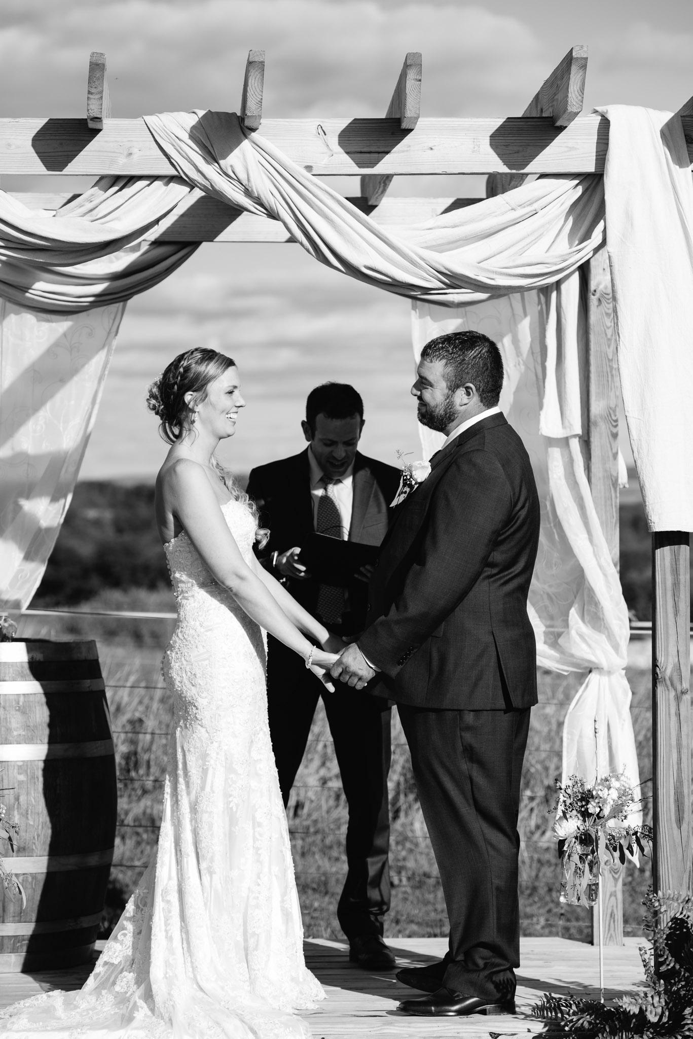 pittsburgh-ligonier-wedding-photographer-the-event-barn-at-highland-farms-23.jpg