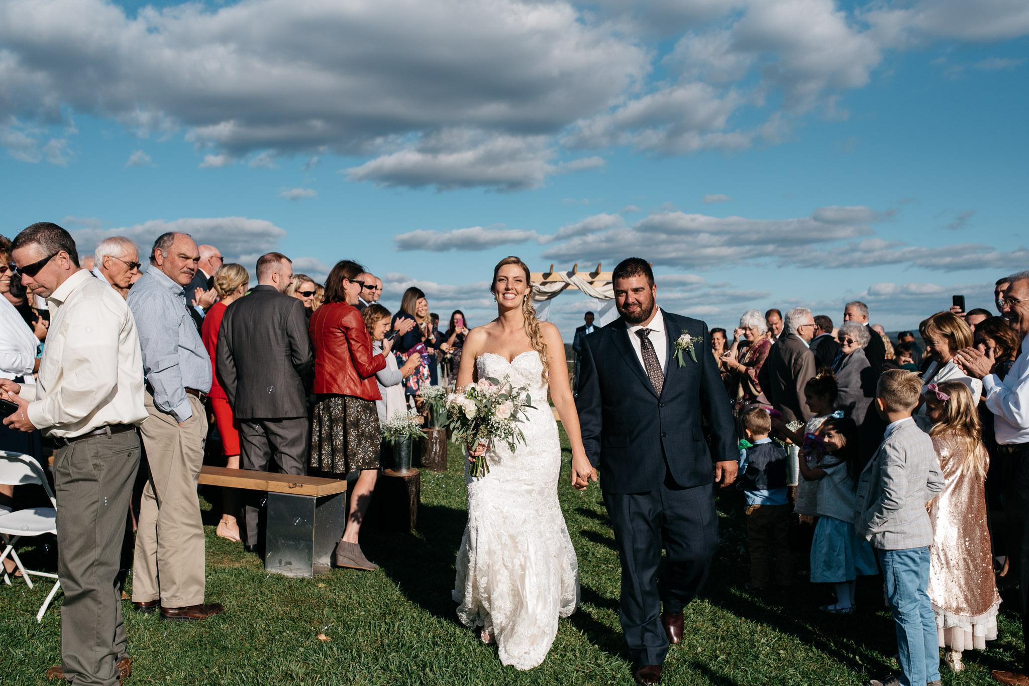 pittsburgh-ligonier-wedding-photographer-the-event-barn-at-highland-farms-19.jpg