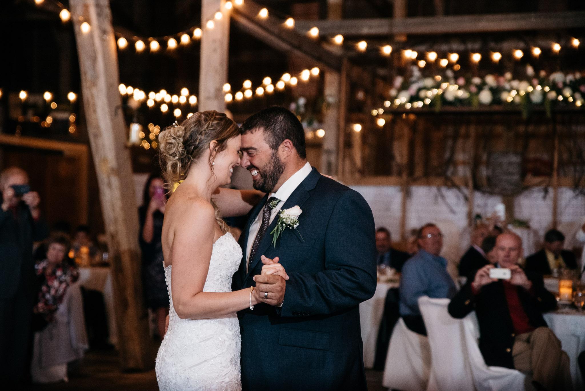 pittsburgh-ligonier-wedding-photographer-the-event-barn-at-highland-farms-4.jpg