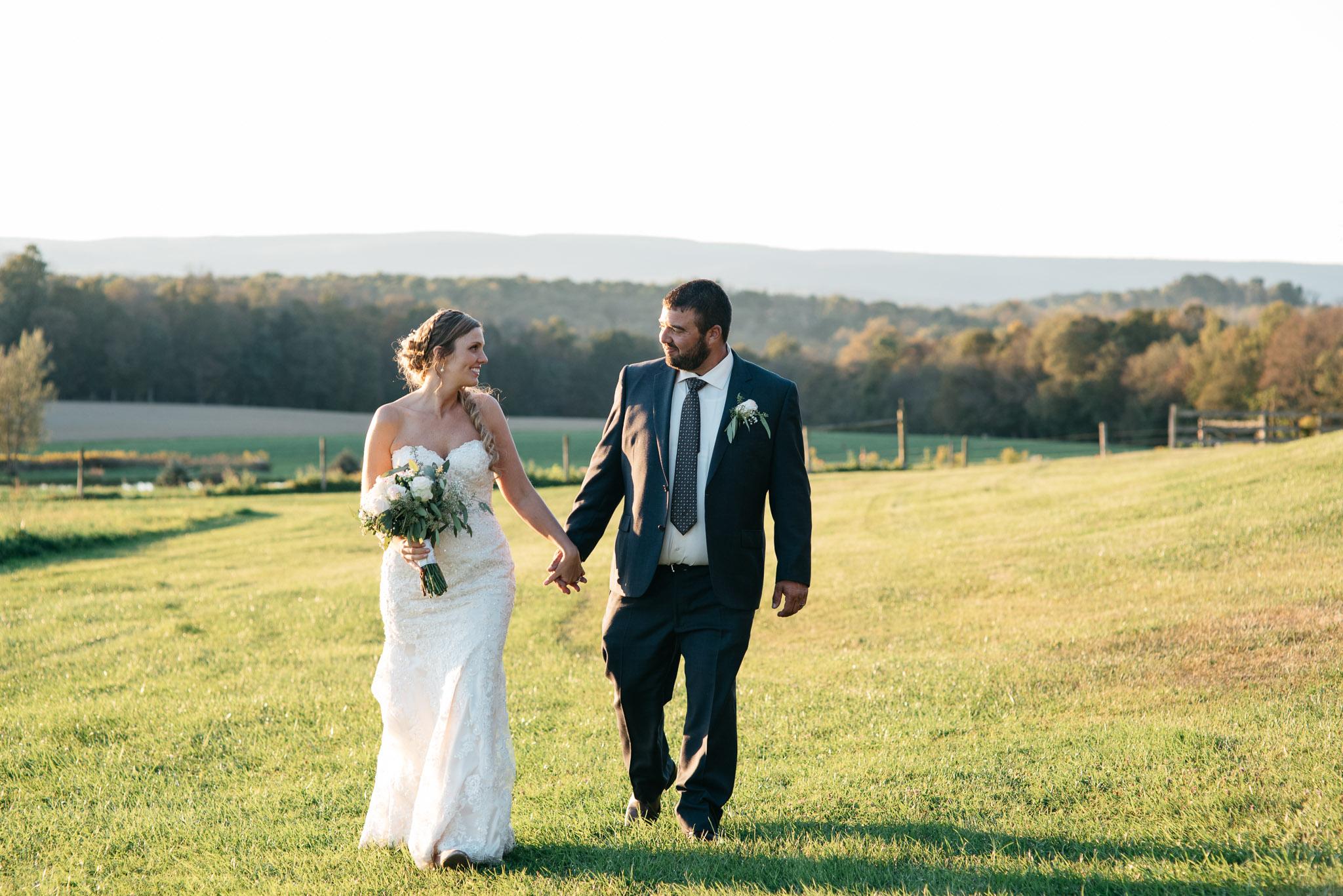 pittsburgh-ligonier-wedding-photographer-the-event-barn-at-highland-farms-46.jpg