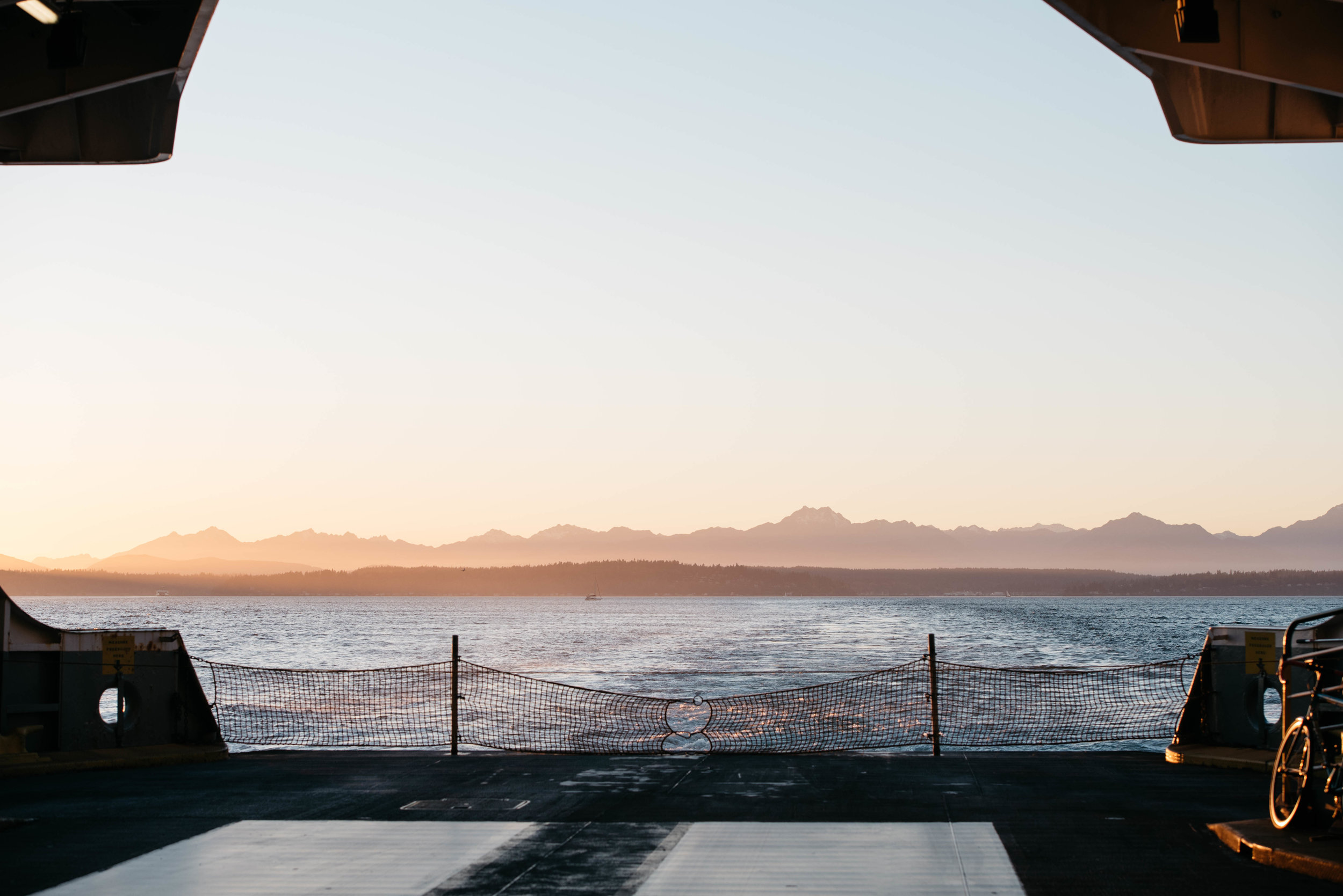 Seattle Ferry Travel photography mariah fisher-3.jpg