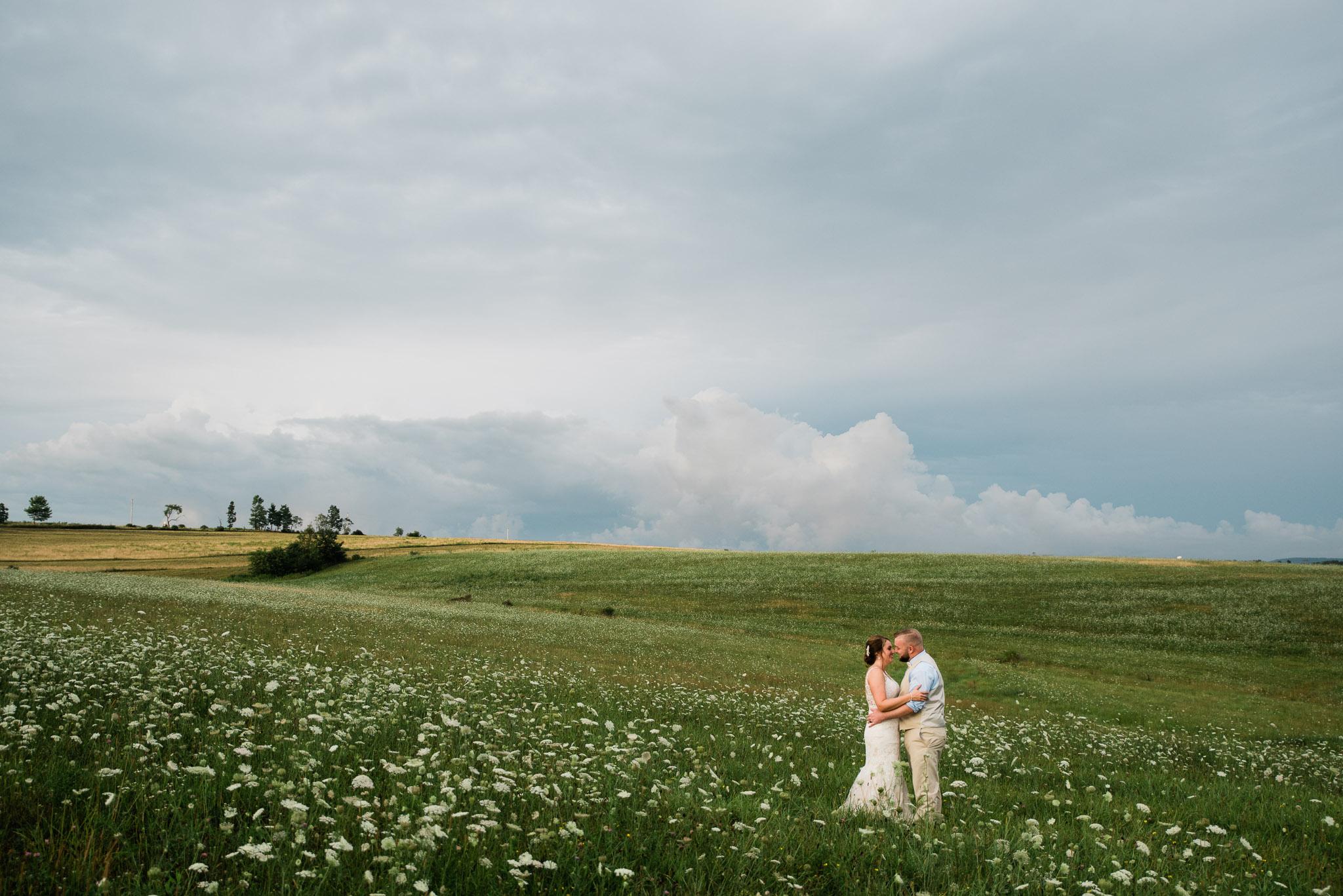 Pittsburgh Wedding Photographer, Hayloft of PA Mariah Fisher-0126.jpg