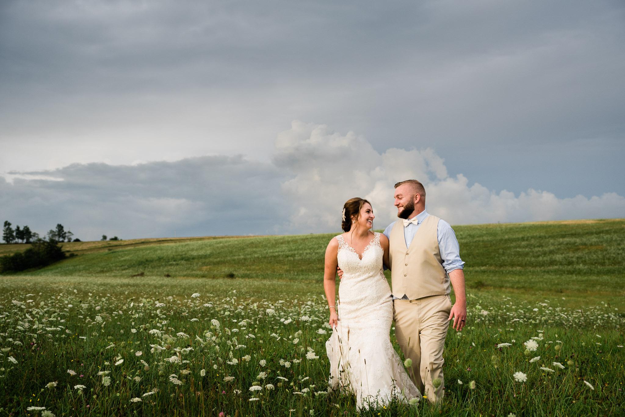Pittsburgh Wedding Photographer, Hayloft of PA Mariah Fisher-0176.jpg