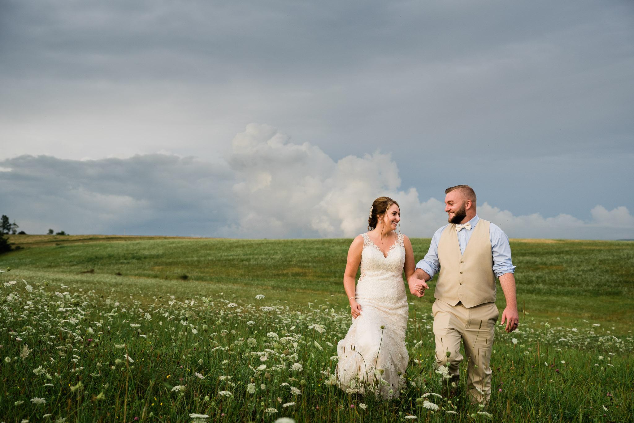 Pittsburgh Wedding Photographer, Hayloft of PA Mariah Fisher-0169.jpg