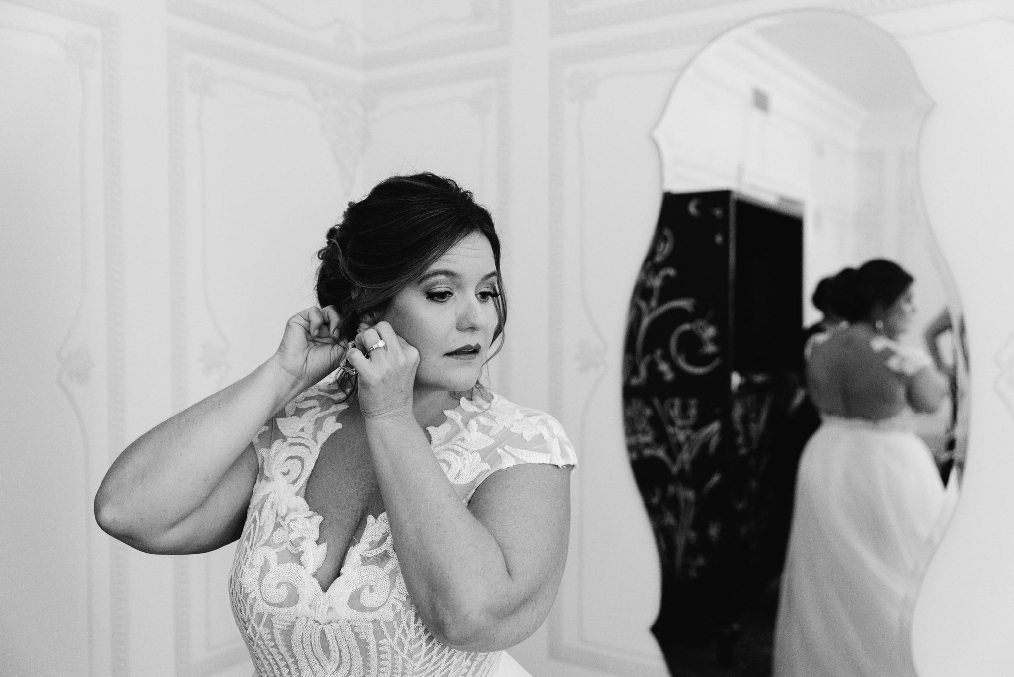Carnegie Science Center Wedding, getting ready, Hotel Monaco Mariah Fisher Photography-0800.jpg
