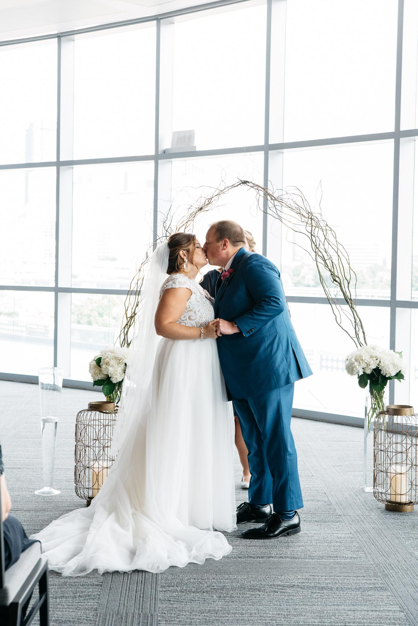 Carnegie Science Center Wedding, Pointview Hall, Pittsburgh wedding Mariah Fisher-1190.jpg
