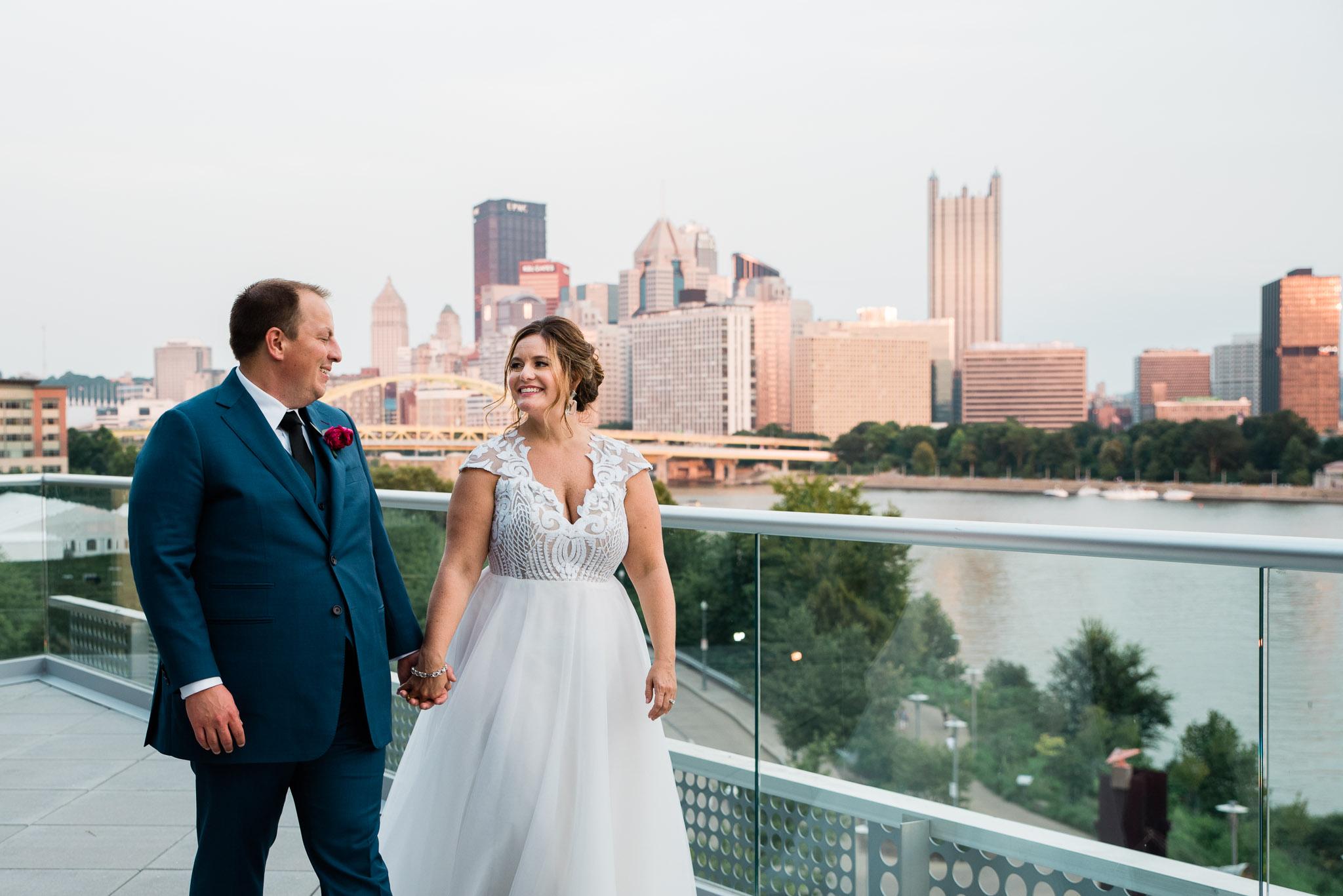 Pittsburgh Wedding Photographer, Carnegie Science Center, Pointview Hall, Mariah Fisher-1558.jpg