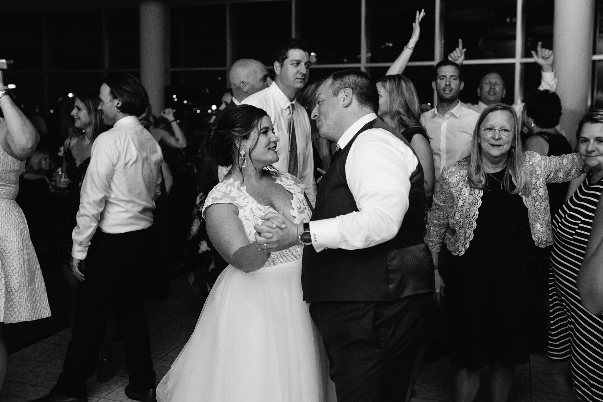 Pittsburgh Wedding Photographer, Carnegie Science Center, Pointview Hall, Mariah Fisher-6664.jpg