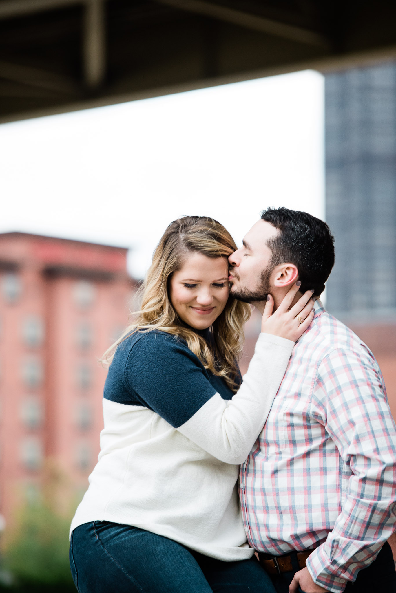 Strip District engagement session, Pittsburgh PA photographer Mariah Fisher-1971.jpg