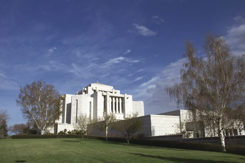 cardston-alberta-temple-lds-220604-tablet.jpg
