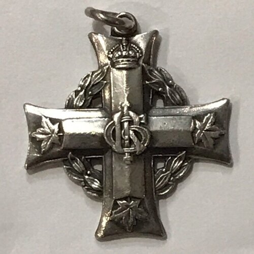 The Memorial Cross bearing the royal cypher of the reigning monarch During WW1: GRI for King George the Fifth