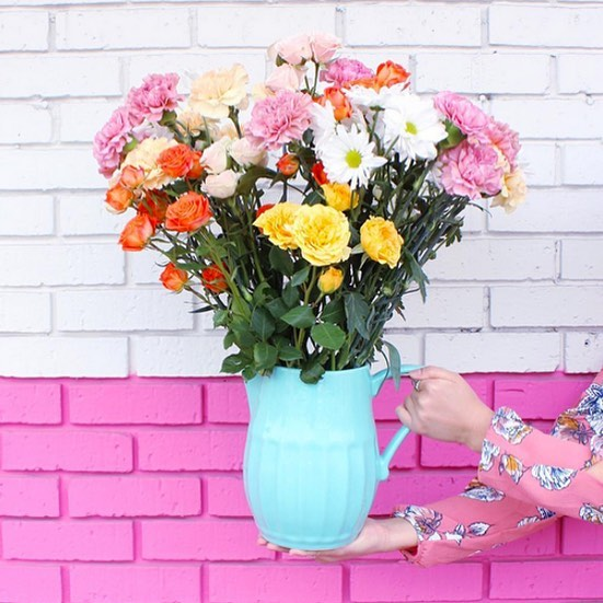 Live life in color! Happy weekend. 😊  #hautegirls  #livelifeincolor #diybloggers #pinkfriday