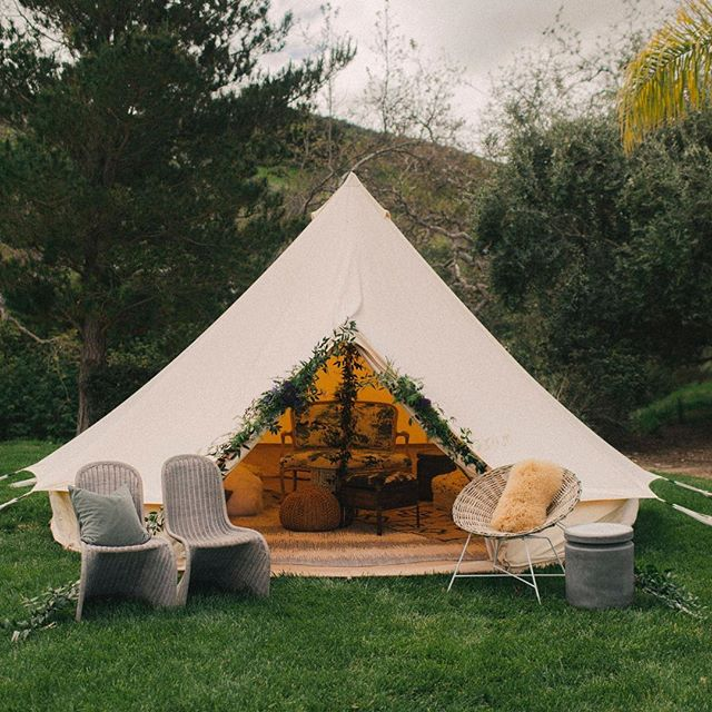 this beautiful solstice tent from @allaboutevents was ground zero for all our heart-opening and soul-hugging conversations during #lindencloverstargazer 🤩