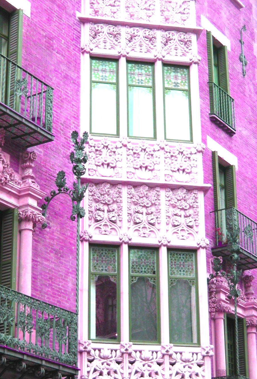 Barcelona Windows.JPG