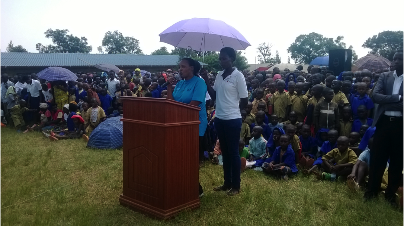 The  mayor of Rwamagana district addresses the community.png