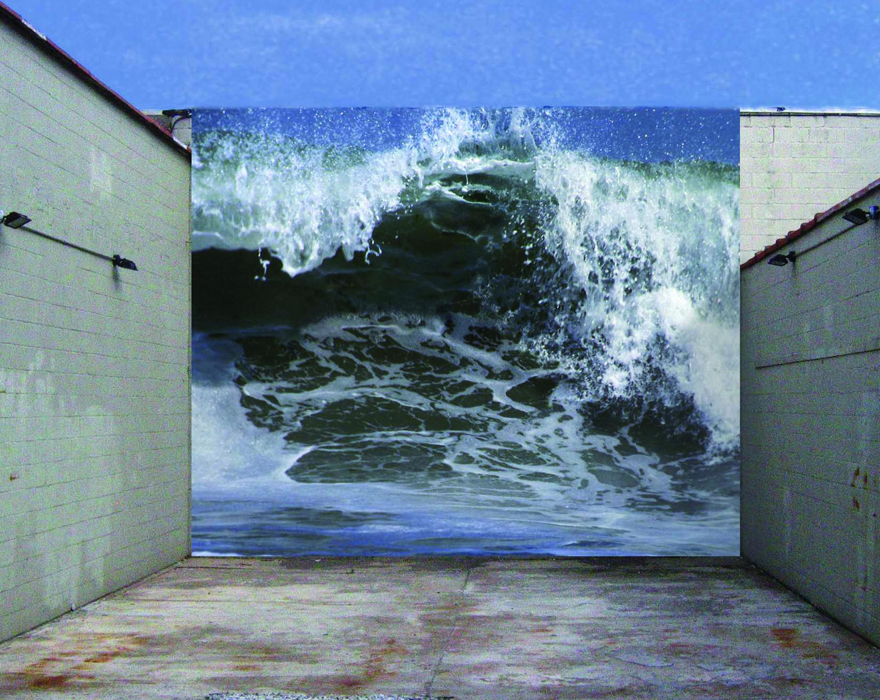 Image: Michael Krondl, Wave, digital photo on vinyl /©Michael Krondl