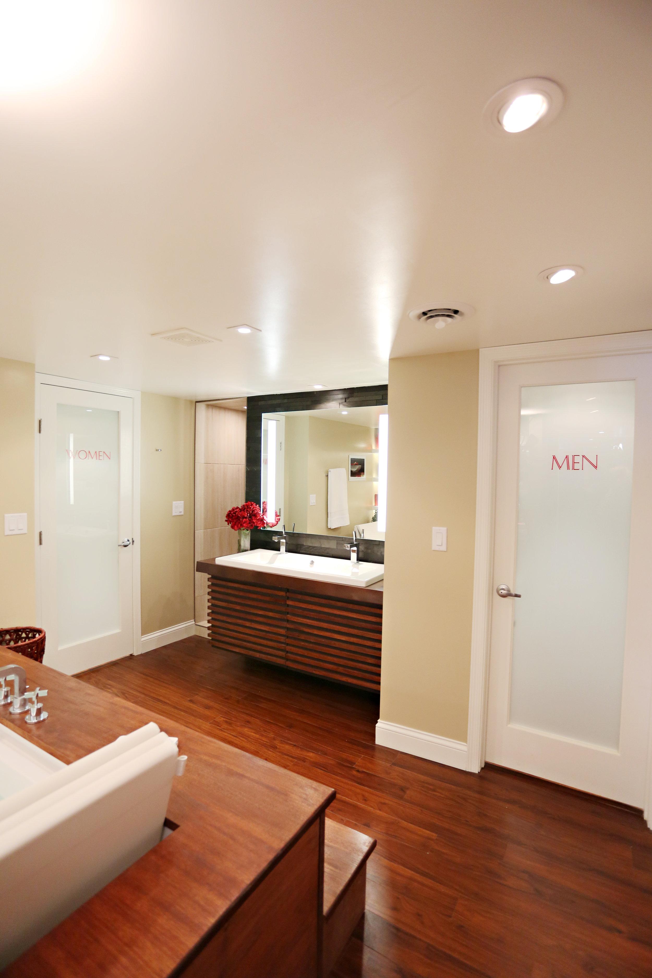 Entertainment Bathroom
