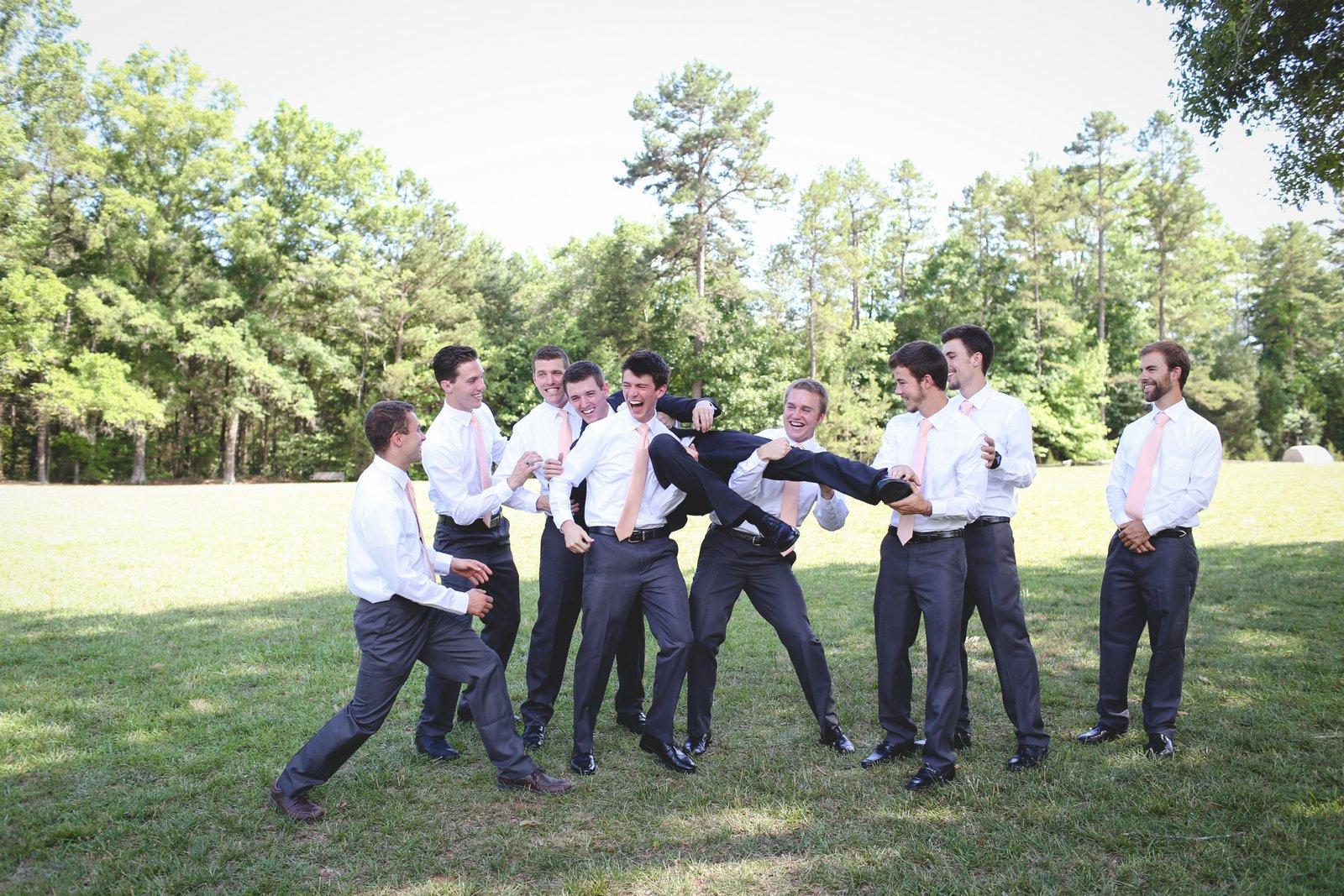 AaronHanna-weddingparty-52.jpg
