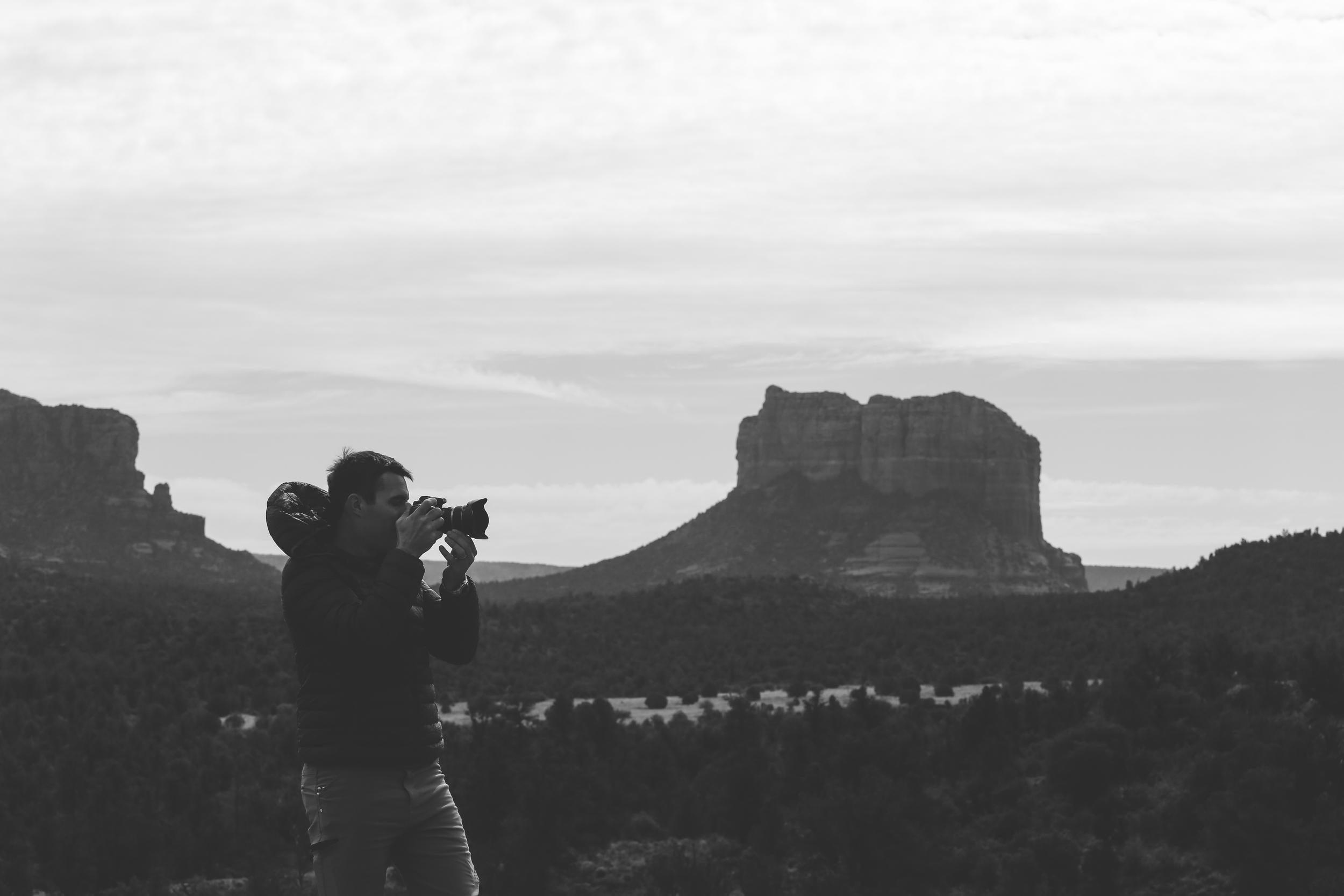 Honeymoon_Tuesday_Sedona_Arizona_JonCourvillePhotography-18.jpg