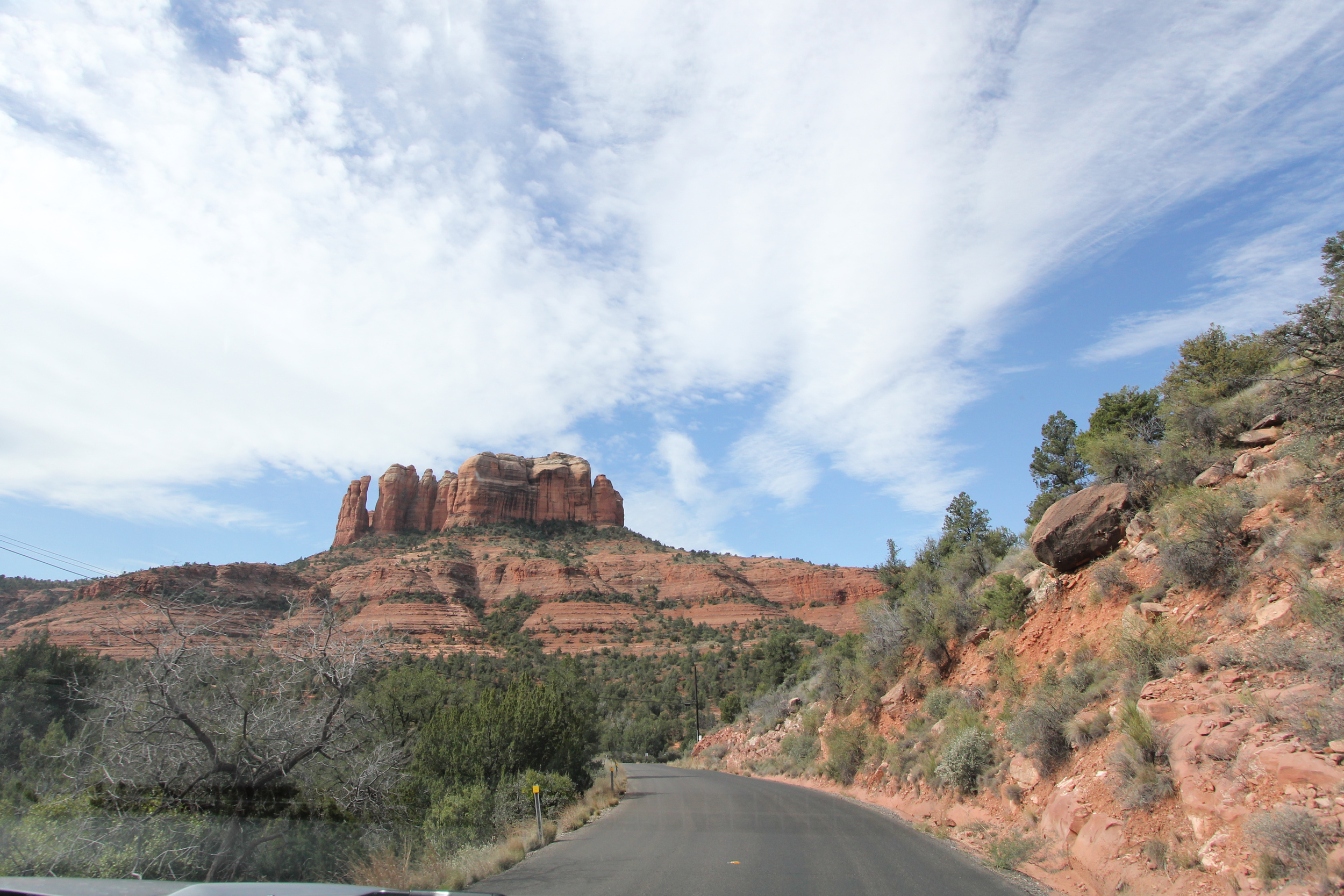 Honeymoon_Tuesday_Sedona_Arizona_JonCourvillePhotography-6.jpg