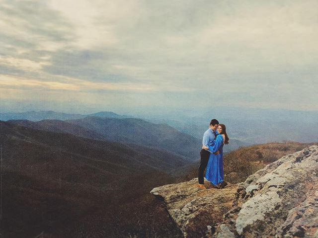 #joncourvillephotography - A new favorite spot for engagement photos!