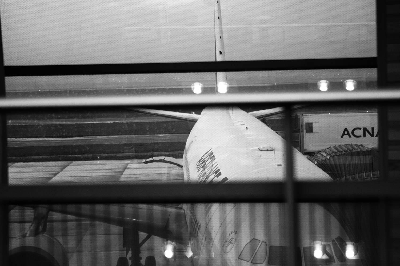 Maren Wickwire-PAris Airport 2014-8809.jpg